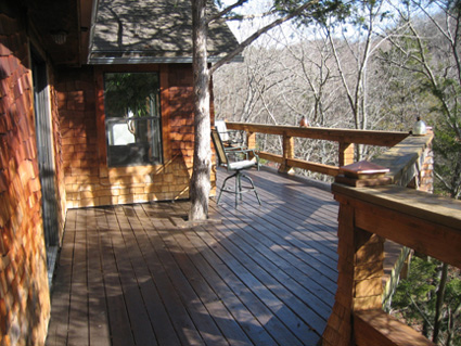 Suchness Cove Retreat is buried in the Ozark Mountains, next to Beaver Lake and within a short drive of Eureka Springs